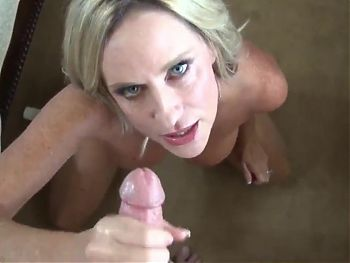 Gorgeous stepmother - anal in POV