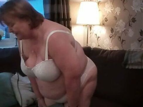 fat mature whore from Cardiff showing her arse