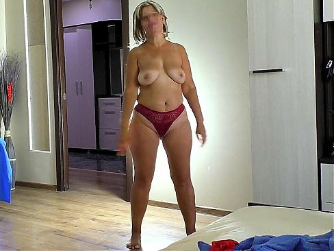 Anal sex and blowjob with sexy mom with big butt and tits